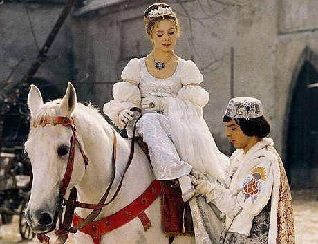 tri matice za posadko Cinderella 1973