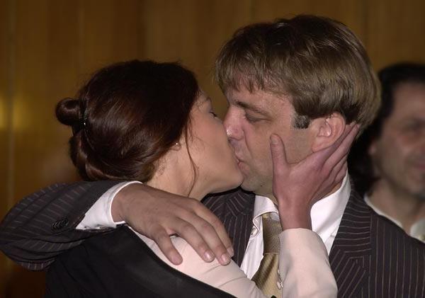 Želite vedeti, kako se naučiti poljubljati brez partnerja?