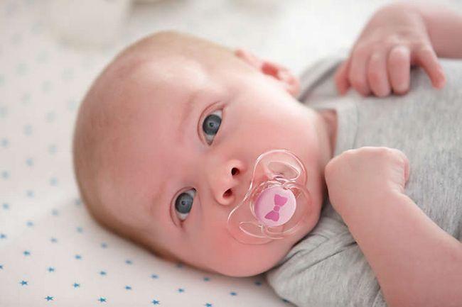 Kako očistiti izliv za novorojenčka: navodila po korakih