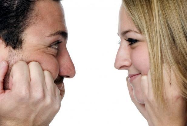 Kako naj bi dekleta v prvih minutah pogovora