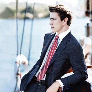 Kako izbrati srajco in kravato, da se pravilno prilagodi?