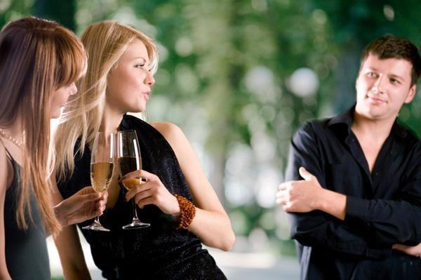 Kako pritegniti moške za spogledovanje in resne odnose