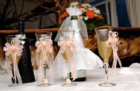 Kako narediti kozarec za mladoporočenca z lastnimi rokami: ideje in uporabni nasveti