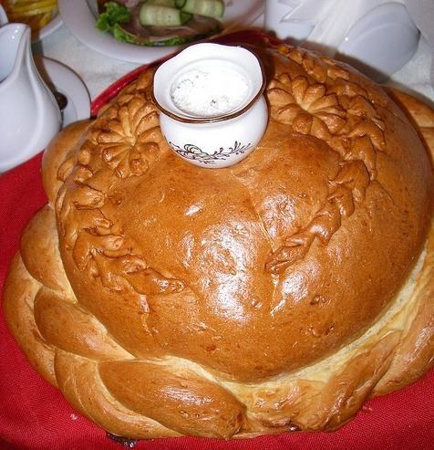 Kako spoznati mlade s kruhom in soljo: tradicija iz preteklih stoletij