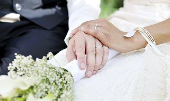 Kakšne poroke se zgodijo v letih in kaj naj dam?