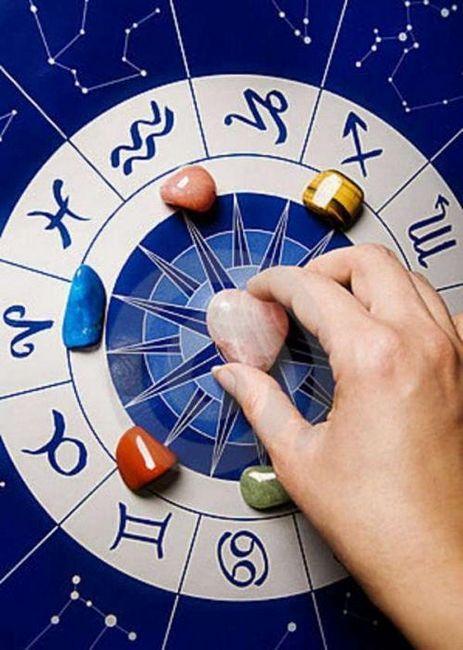 Какой камень подходит Раку: секреты астрологов