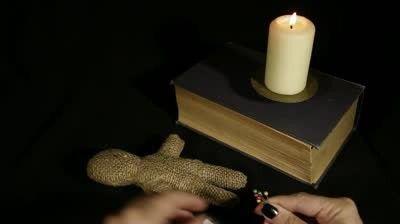 Voodoo lutka - magija s svojimi rokami