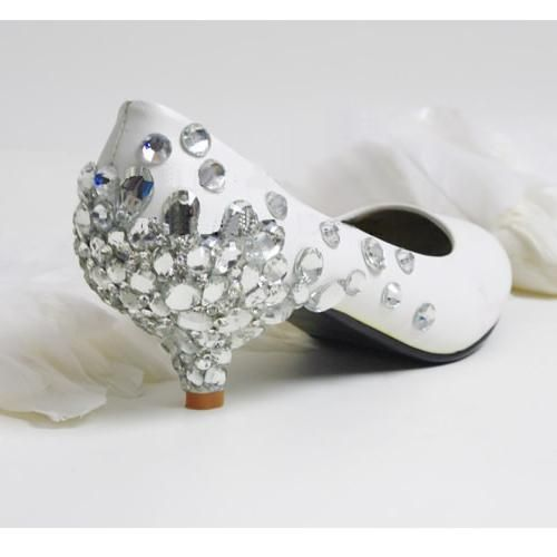 Fashion Trend - čevlji za poroko na majhnem peti