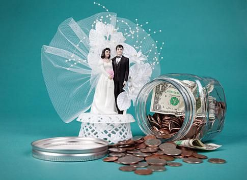 Nekaj idej o tem, kako narediti nenavadno darilo za poroko