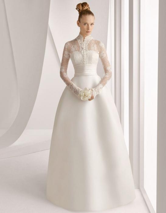 poročna obleka z rokavi
