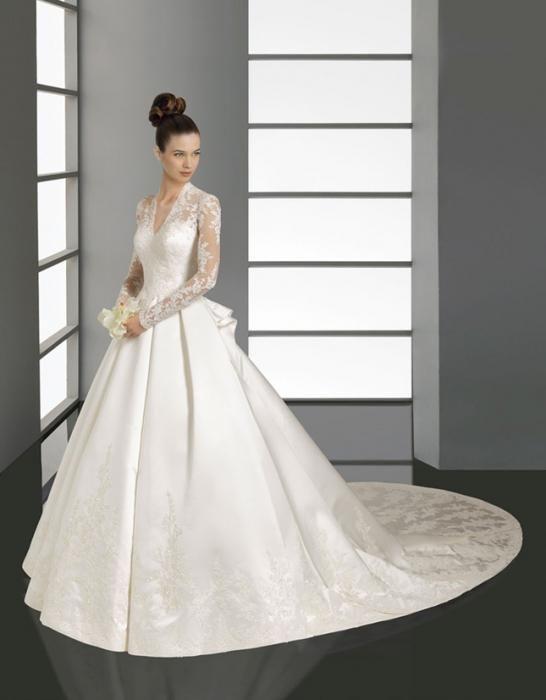 poročna obleka s čipkami