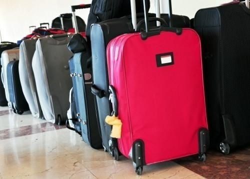 Če greste na potovanje, ne pozabite naučiti, kako izbrati kovček na kolesih