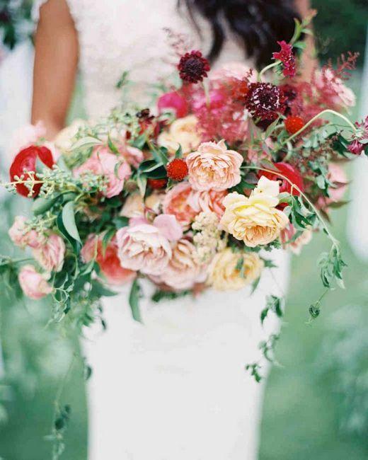 Poročni šopki iz vrtnic: slogi, fotografije