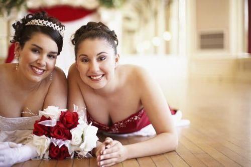 Priča na poroki: kaj bi morala to dekle storiti?