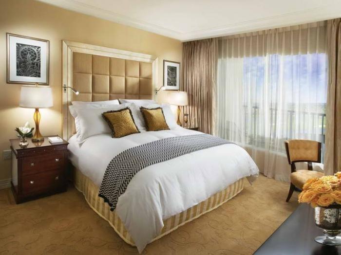 zavese in posteljna pregrinjala za spalnice